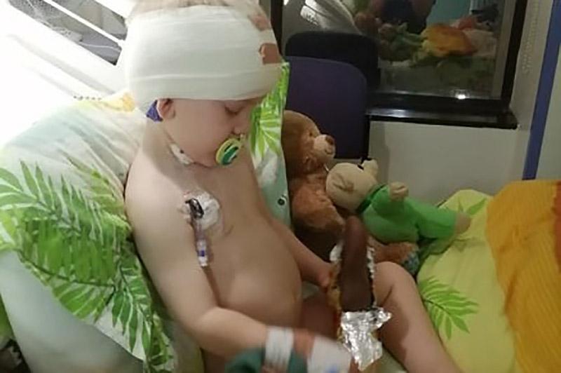 Ο μικρός Τζακ διαγνώστηκε με όγκο στον εγκέφαλο, σε σημείο που ήταν μη εγχειρήσιμο
