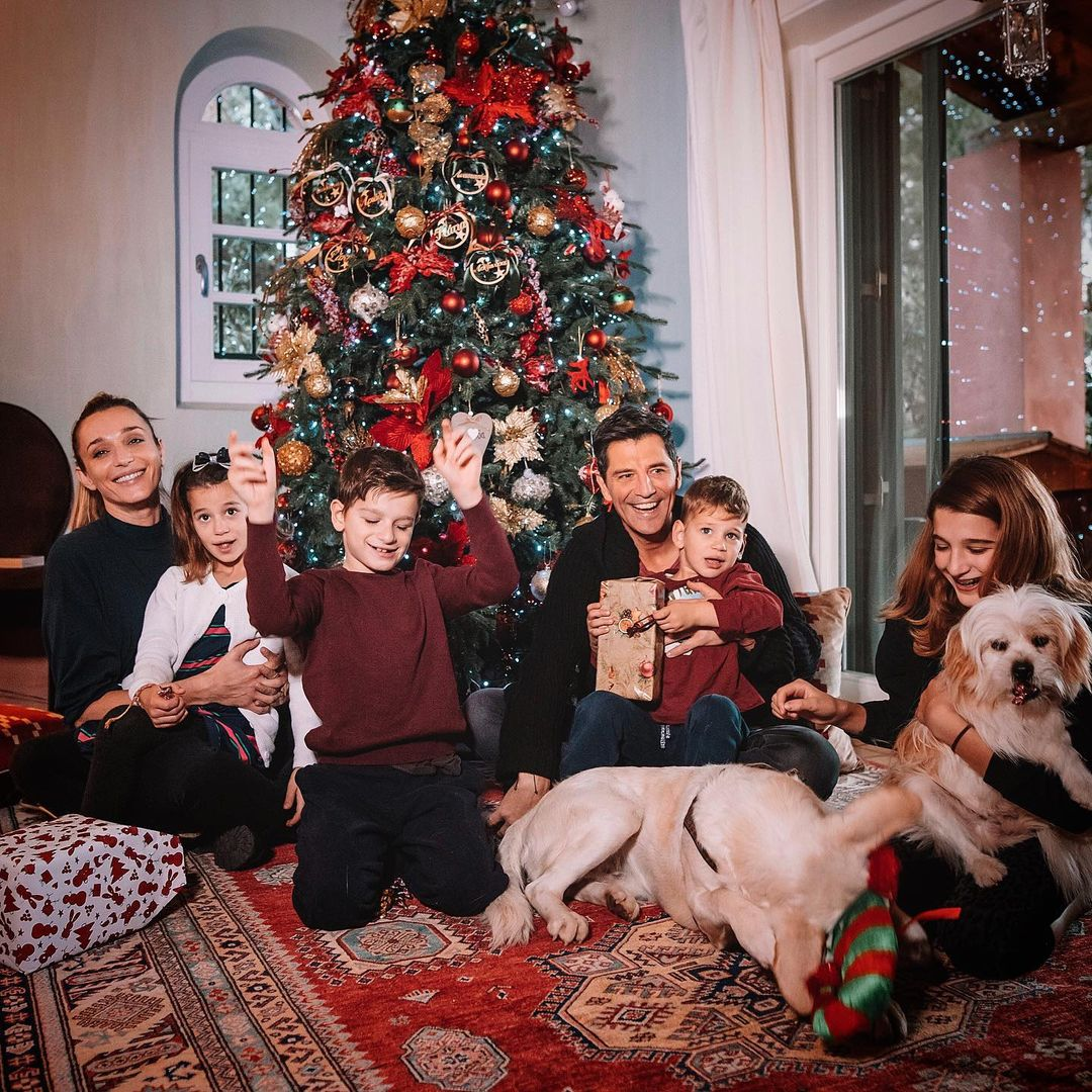 σαλόνι Σάκη Ρουβά με Κάτια Ζυγούλη και παιδιά