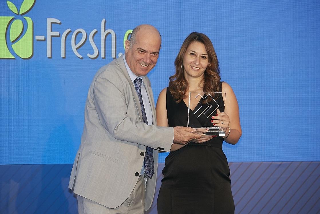 Ο Α' Αντιπρόεδρος του ΟΠΑΠ, Σπύρος Φωκάς, και η Ζίνα Μαυροειδή, CEO της εταιρείας e-fresh