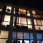 Το κτίριο στο Μενίδι όπου φιλοξενούνται οι 143 πρόσφυγες