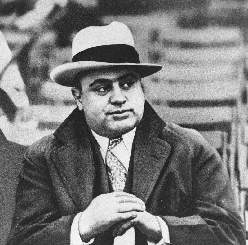 Ο Αλ Καπόνε σε ποδοσφαιρικό αγών στο Σικάγο το 1931.