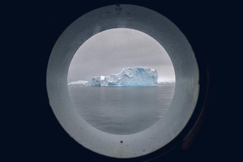 Οι επιστήμονες προσπαθούν να εξηγήσουν τα αίτια της συρρίκνωσης των θαλάσσιων πάγων της Ανταρκτικής.