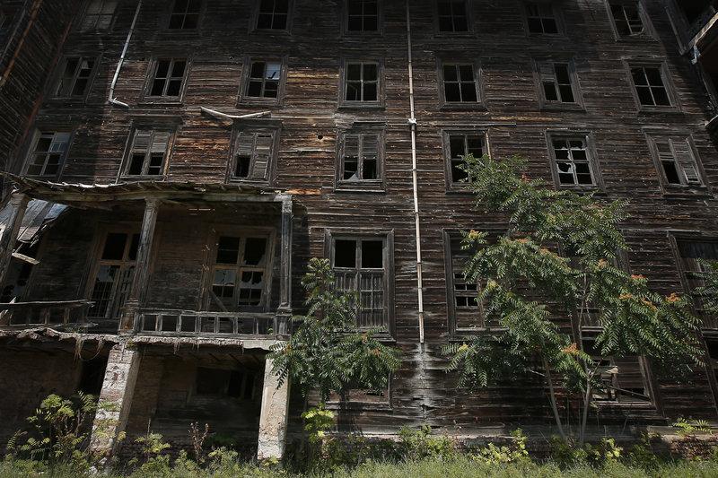 Δεκάδες εκατομμύρια ευρώ και τουλάχιστον 4-5 έτη εργασιών θα απαιτηθούν για την αποκατάσταση του ιστορικού ορφανοτροφείου.