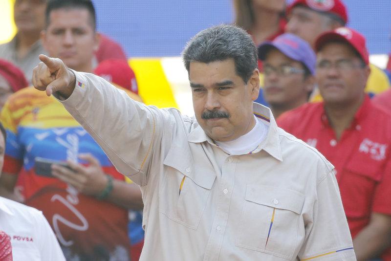 Ο αριστερός πρόεδρος της Βενεζουέλας, Νικολάς Μαδούρο, απευθύνεται σε οπαδούς του σε χθεσινή του συγκέντρωση.