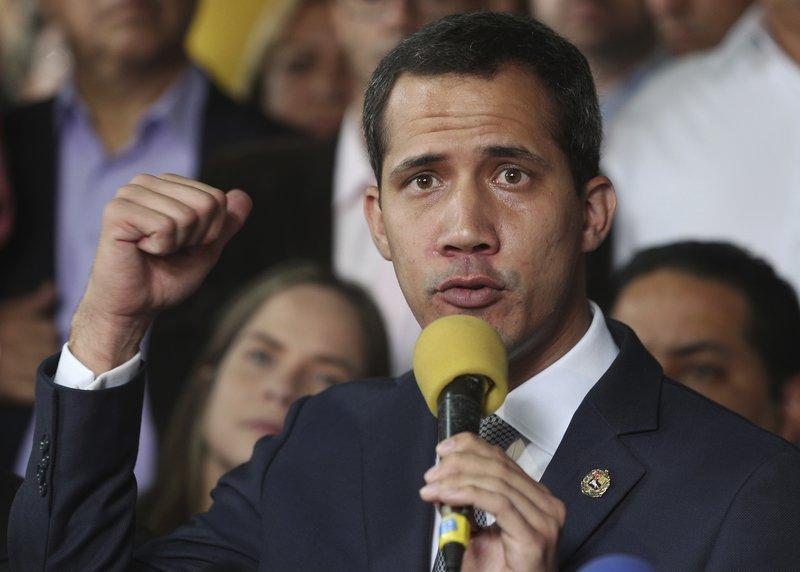 Ο Χουάν Γκουαϊδό απευθύνεται σε πολίτες της Βενεζουέλας.