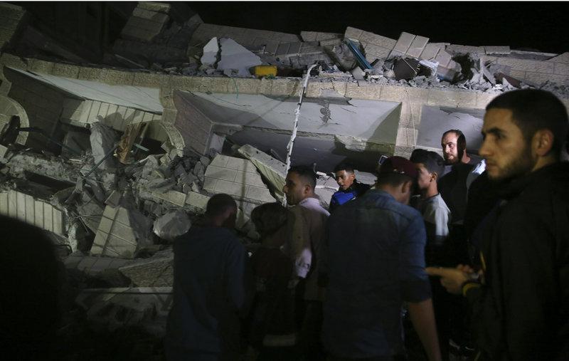 Κατεστραμμένο κτίριο στη Γάζα μετά από ισραηλινό βομβαρδισμό.