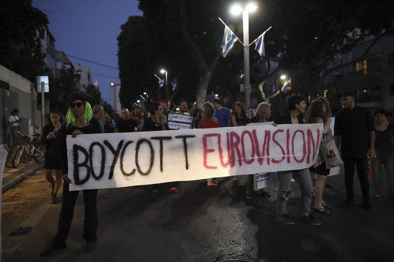 Ισραηλινοί ακτιβιστές διαδηλώνουν κατά της Eurovision.