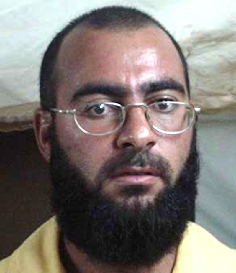 O Αμπού Μπακρ Αλ Μπακντάντι το 2004, την εποχή που κρατείτο στο αμερικανικό στρατόπεδο-φυλακή Camp-Bucca του Ιράκ.