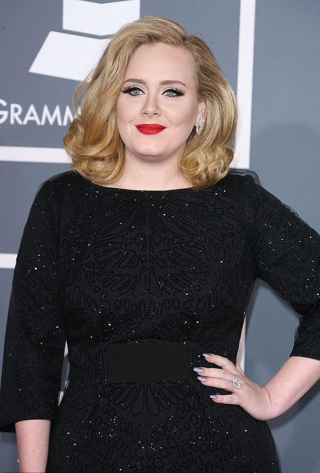 Η Αντέλ το 2012 στην τελετή απονομής των βραβείων Grammy