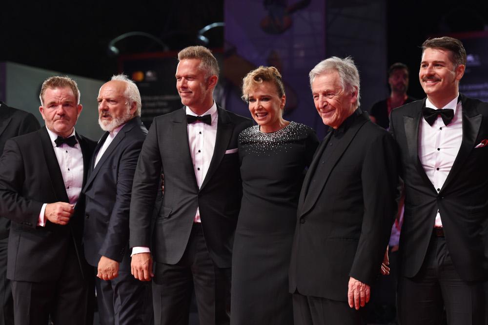 Το καστ της ταινίας «Ενήλικοι στο Δωμάτιο» στο Φεστιβάλ Κινηματογράφου τς Βενετίας
