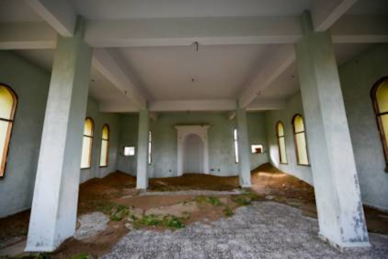 Tα περισσότερα σπίτια στο Αλ Μαντάμ φαίνεται ότι χτίστηκαν τη δεκαετία του 1970.