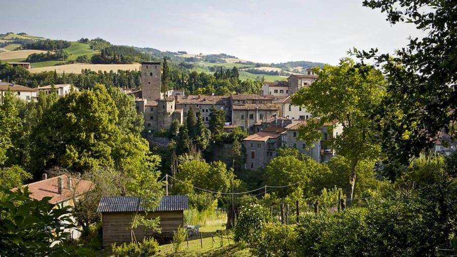 To Al Vecchio Convento, άλλο ένα albergo diffuso στο χωριό Πόρτικο ντι Ρομάνια, στην περιφέρεια Εμίλια Ρομάνια της βόρειας Ιταλίας