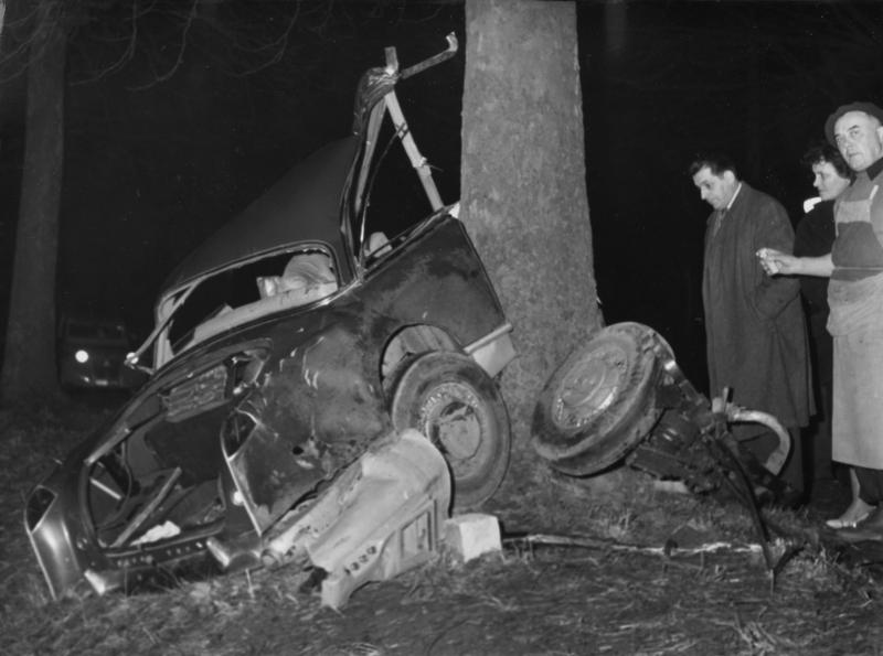 Το αυτοκίνητο στο οποίο επέβαινε ο Αλμπέρ Καμύ, όταν σκοτώθηκε στις 4 Ιανουαρίου του 1960.