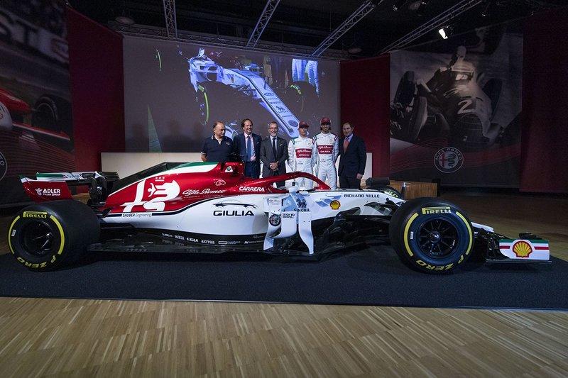 Στο λανσάρισμα των Giulia και Stelvio Model Year 2020, θα πρωταγωνιστούν ο Kimi Räikkönen και η σύζυγος του Minttu Räikkönen.