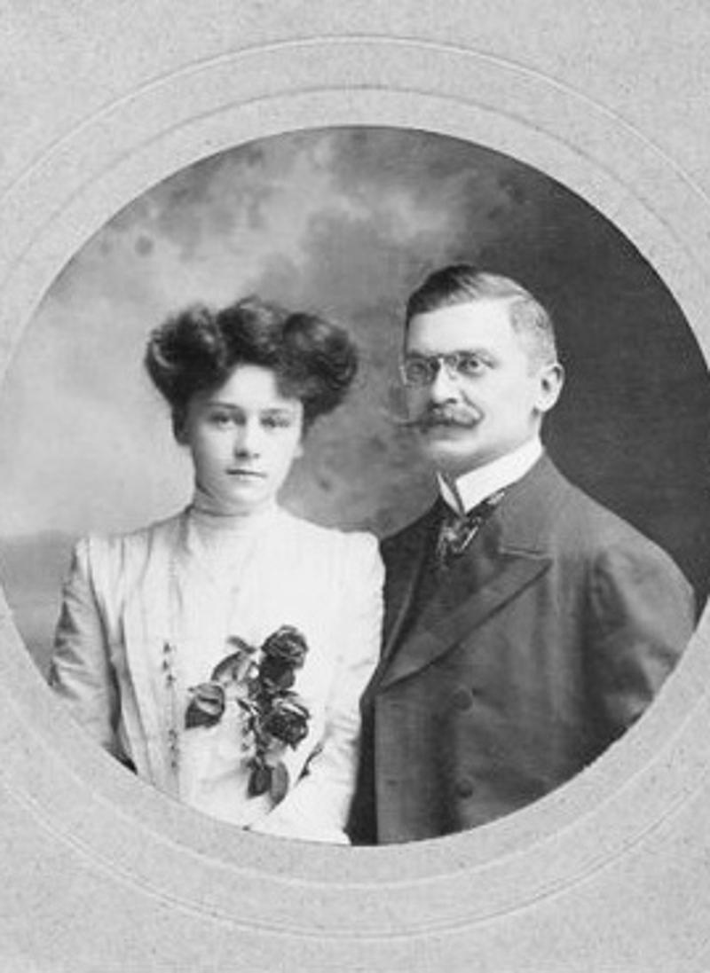 Ο Αλί Κεμάλ και η προγιαγιά του Μπόρις Τζόνσον, Γουίνιφρεντ Μπρουν.