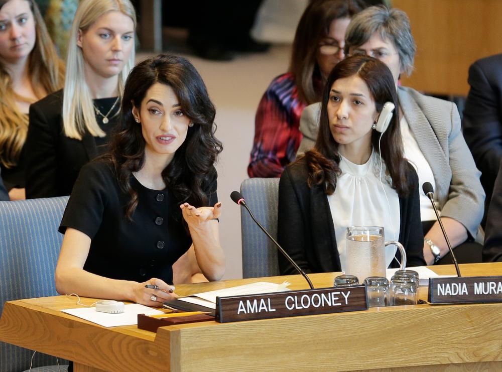 Η Αμάλ Κλούνεϊ με την 23χρονη Νάντια Μουράντ