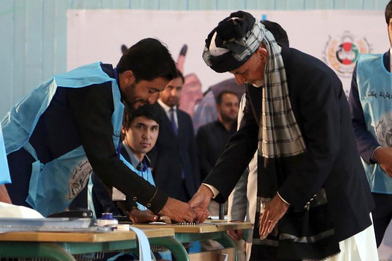 Ο απερχόμενος πρόεδρος του Αφγανιστάν Άσραφ Γάνι άσκησε ήδη το εκλογικό του δικαίωμα