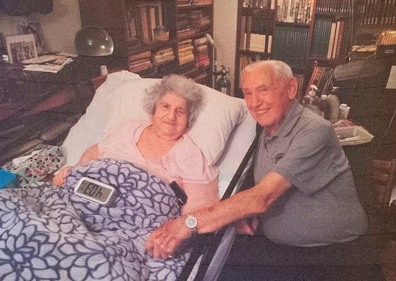 Ο Ντέιβιντ Βίσνια και η Έλεν «Ζίπι» Σπίτζερ ξανάσμιξαν 72 χρόνια μετά το Άουσβιτς.