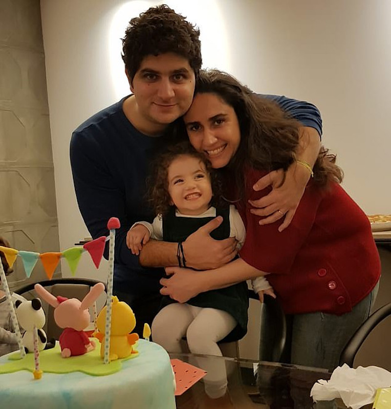 Η Αλεξάνδρα με τους γονείς της