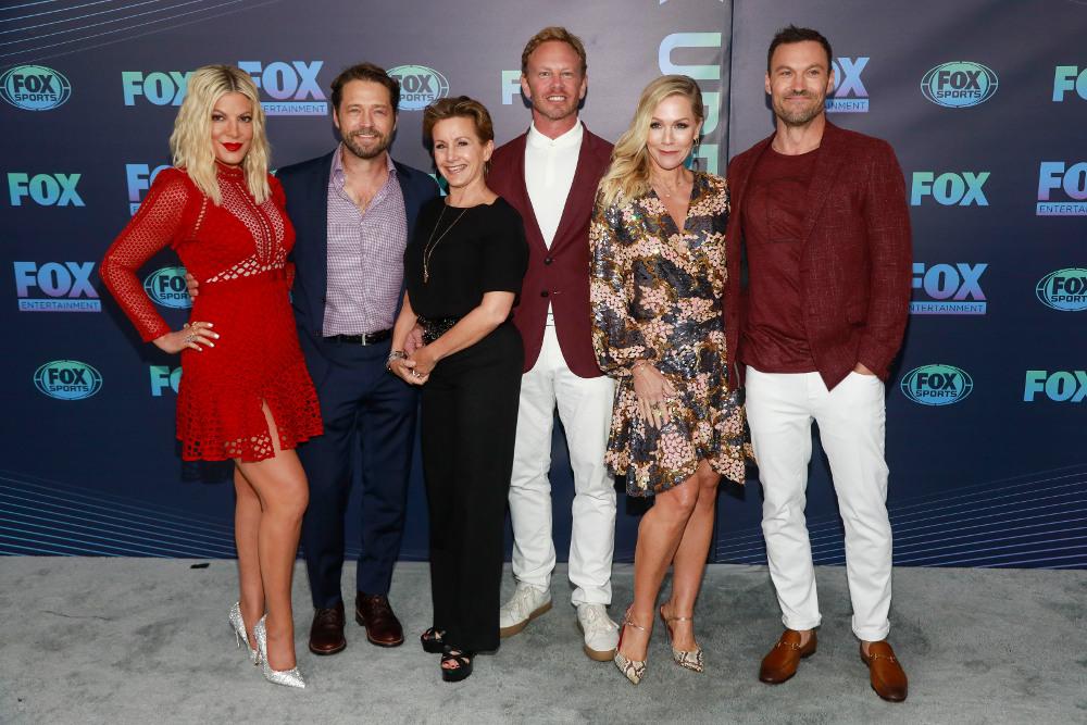 Οι πρωταγωνιστές της σειράς «Beverly Hills 90210» που επιστρέφει στην τηλεόραση