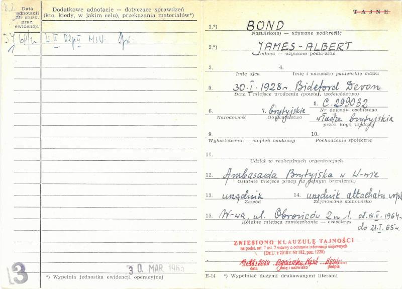 Μυστικά έγγραφα αποκαλύπτουν ότι η υπηρεσία αντικατασκοπείας του πολωνικού υπουργείου Εσωτερικών παρακολουθούσε τον Τζέιμς Άλμπερτ Μποντ