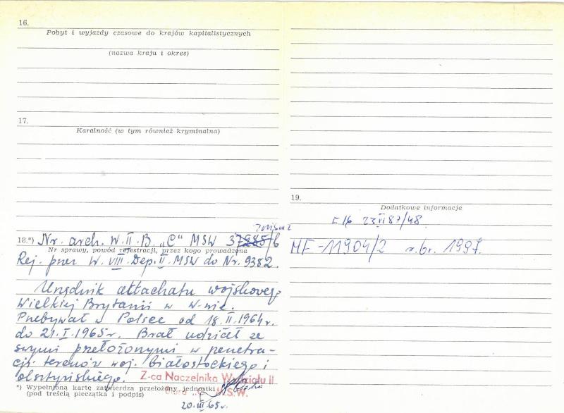 """Τα ίδια έγγραφα αποκαλύπτουν ακόμη ότι «τον Οκτώβριο και τον Νοέμβριο του 1964 ο Τζέιμς Μποντ πήγε στις επαρχίες  Białystok και Οlsztyn για να """"διεισδύσει σε στρατιωτικές εγκαταστάσεις"""""""
