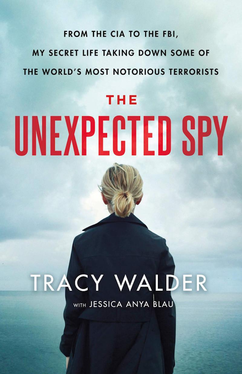 Tο εξώφυλλο της αυτοβιογραφίας της πρώην κατασκόπου της CIA, Τρέισι Γουόλντερ.