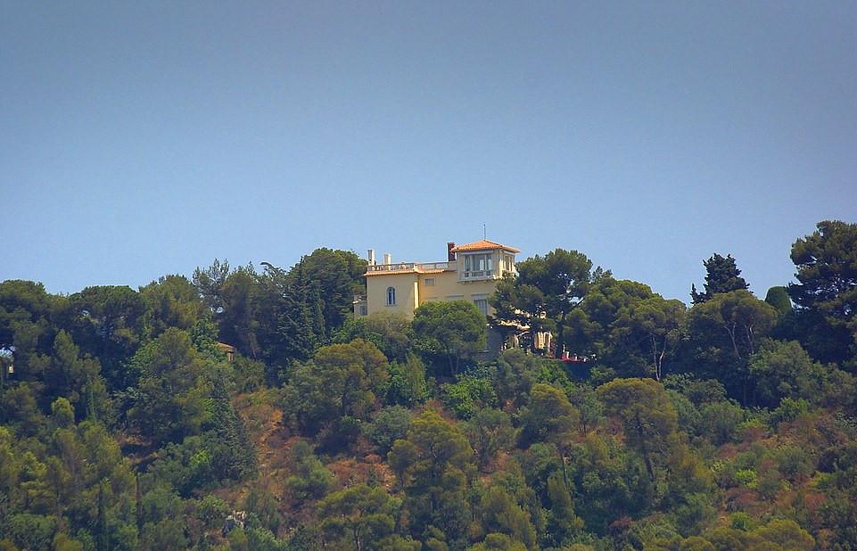 Η έπαυλη στο Castel Mont-Alban του Έλτον Τζον και του συζύγου του