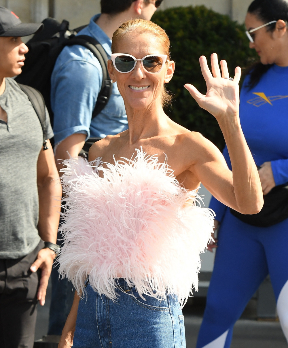 Η διάσημη τραγουδίστρια φόρεσε το τζιν παντελόνι όπως μόνο αυτή θα μπορούσε