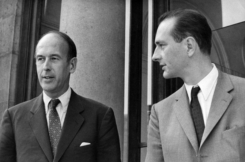 O Βαλερί Ζισκάρ Ντ' Εστέν, πρωθυπουργός της Γαλλίας το 1969 με τον τότε υπουργό Οικονομικών Ζακ Σιράκ.