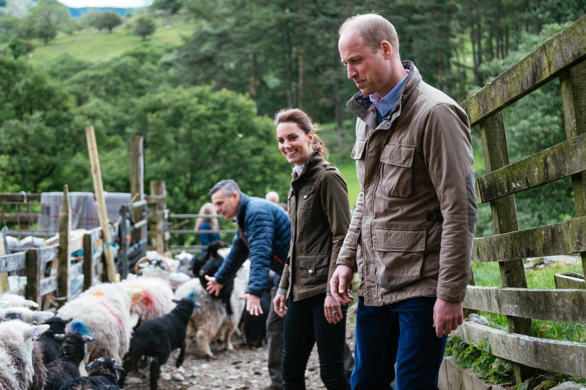 Κέιτ Μίντλετον  και πρίγκιπας Γουίλιαμ επισκέφθηκαν φάρμες