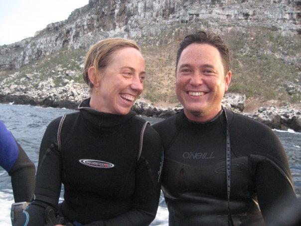 Η θαλάσσια βιολόγος Κρίστι Φίνσταντ που επέβαινε στο σκάφος και ήταν υπεύθυνη για το πρόγραμμα καταδύσεων. Ο σύζυγός της βρισκόταν σε άλλη αποστολή στην Κόστα Ρίκα