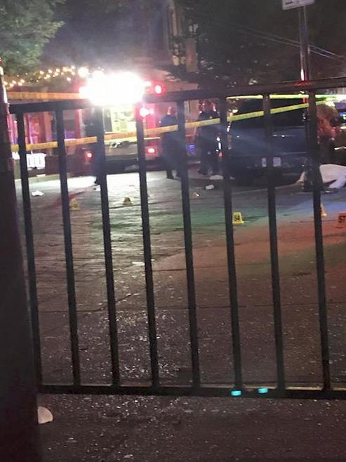 Αστυνομικοί στο σημείο της επίθεσης στο Ντέιτον του Οχάιο.