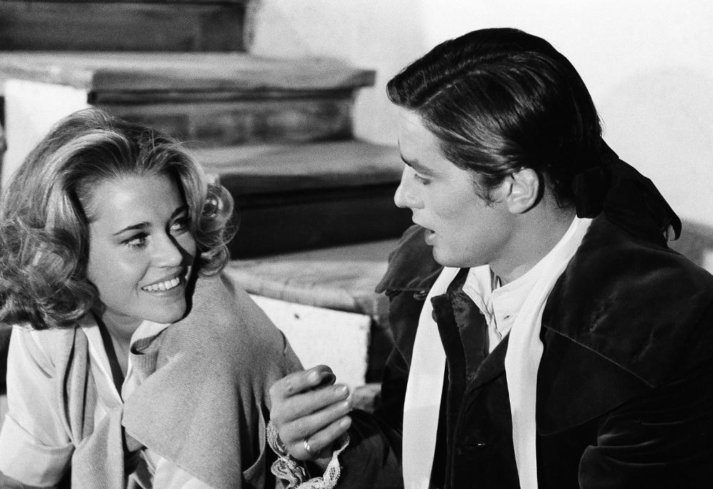 Ο πρώτος έρωτας του Αλέν Ντελόν ήταν με την Ρόμι Σνάιντερ