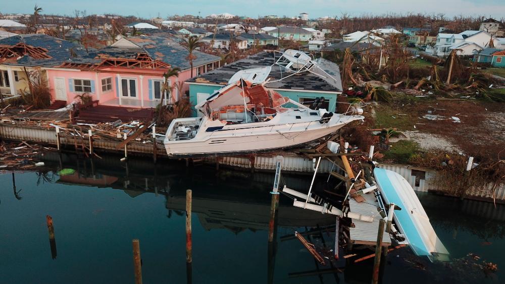 43 νεκρούς και χιλιάδες άστεγους άφησε πίσω του ο τυφώνας Dorian στις Μπαχάμες