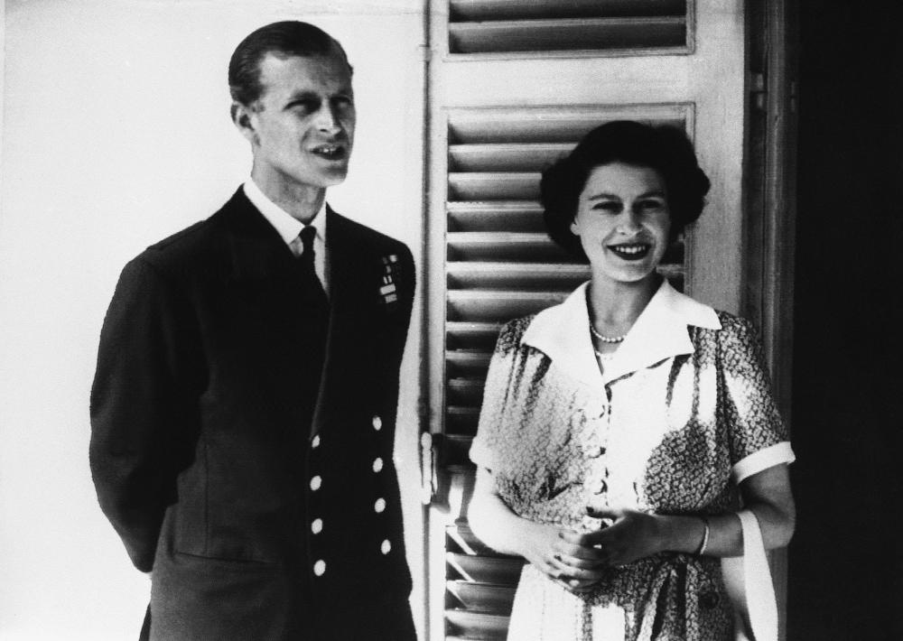Η βασίλισσα Ελισάβετ έζησε στην Βίλα Γκουαρνταμάνια τρία ολόκληρα χρόνια και ήταν μάλιστα η μοναδική φορά που έζησε σε άλλο παλάτι που να βρίσκεται εκτός του Ηνωμένου Βασιλείου