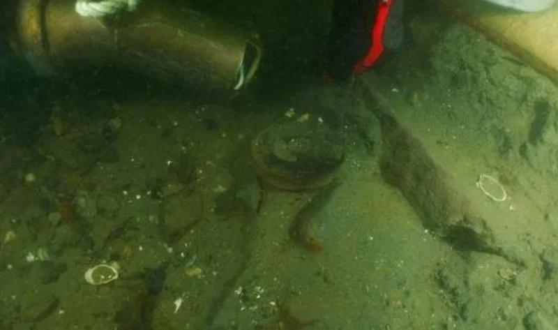 Έρευνες στο βυθό του λιμανιού του Νιούπορτ για το Endeavour του Κάπτεν Κουκ.