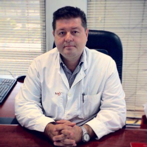 Ευάγγελος Ευαγγέλου, Διευθυντής Ορθοπαιδικός Χειρουργός στο Metropolitan Hospital.
