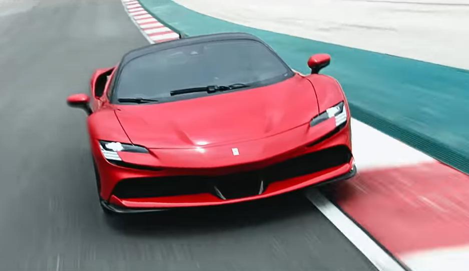 H SF90 Stradale είναι το ισχυρότερο αυτοκίνητο παραγωγής με άδεια κυκλοφορίας για δρόμους, που έχει κατασκευάσει ποτέ η Ferrari.