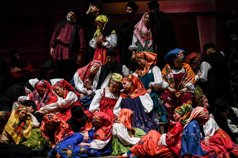 Στιγμιότυπο από την παράσταση Λαίδη Μάκβεθ του Μτσενσκ στη Λυρική