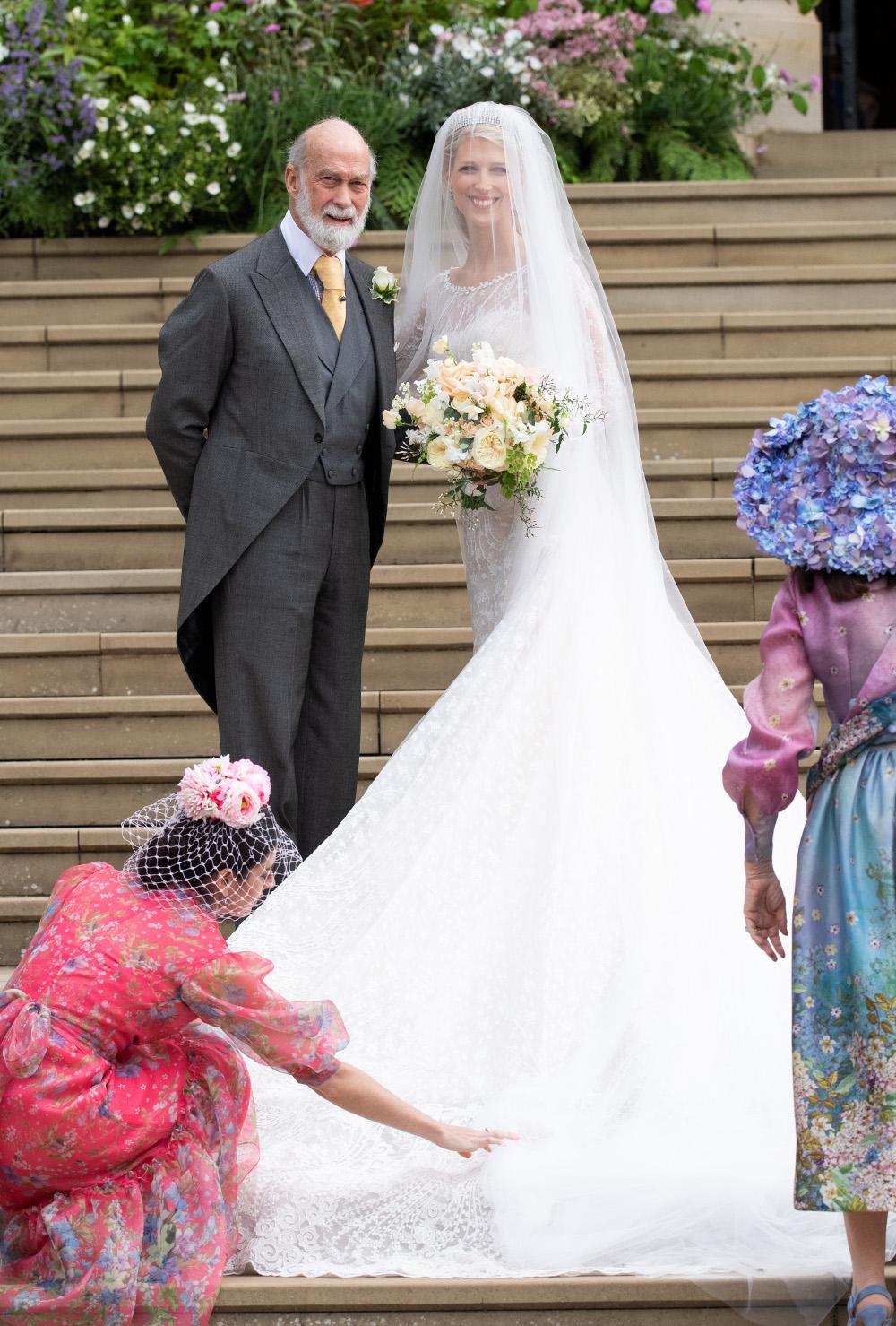 Η νύφη με τον πατέρα της, πρίγκιπα Μάικλ του Κεντ