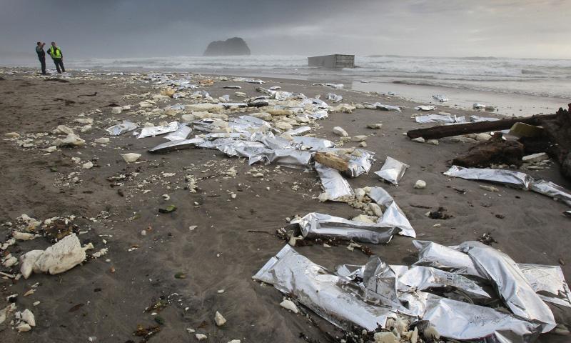 σκουπίδια θάλασσα