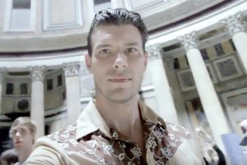 O ηλικίας 41 ετών πρώην αρραβωνιαστικός του θύματος, Γκάρεθ Πέρσχαουζ, συνελήφθη ως ύποπτος για το φόνο.