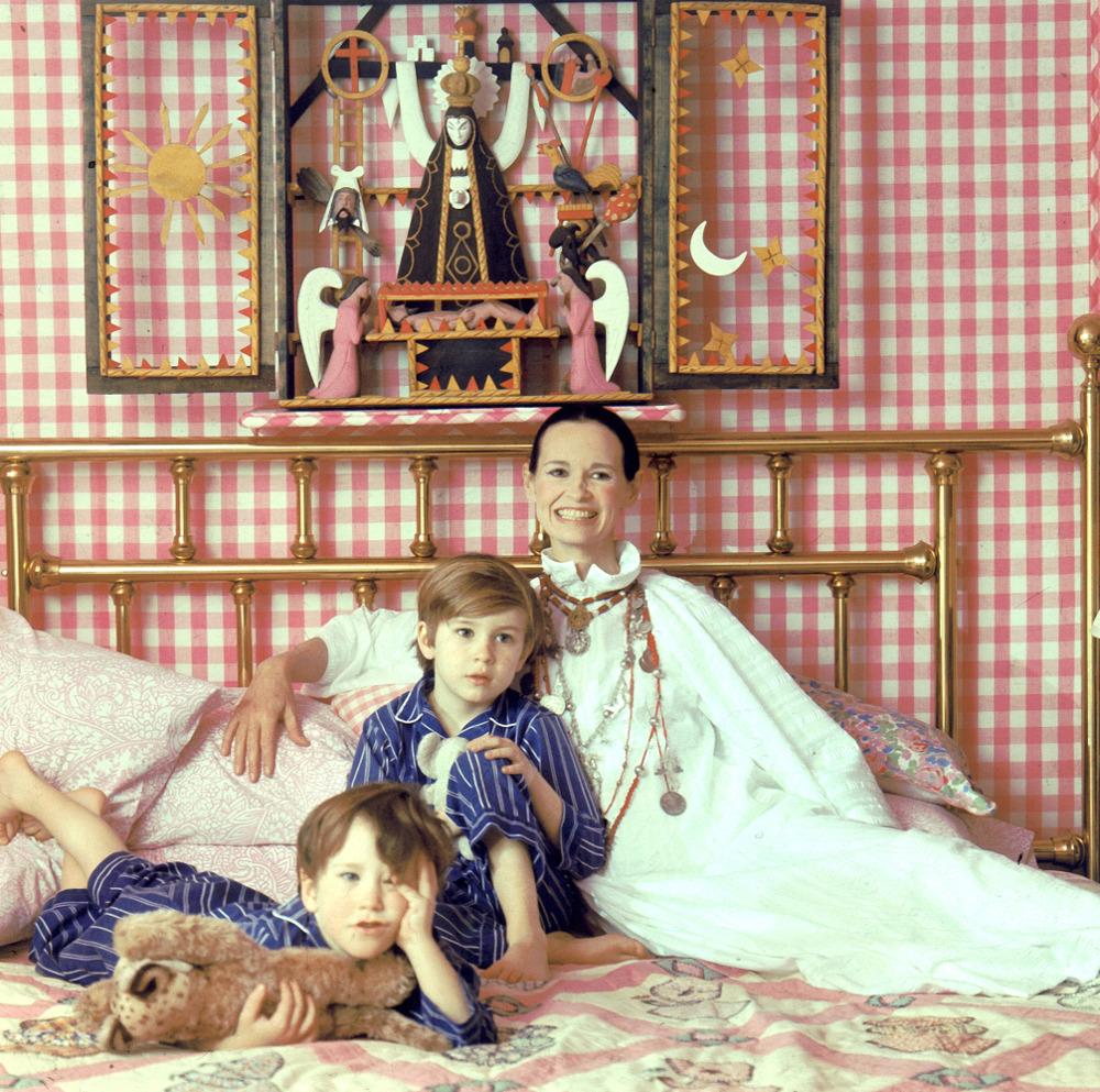 Η Γκλόρια Βάντερμπιλτ με τους γιους της Άντερσον και Κάρτερ