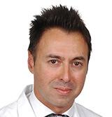 O  κ. Ανδρέας Γραββάνης,  Διευθυντής της Μονάδας Πλαστικής Επανορθωτικής Μικροχειρουργικής και Αισθητικής Χειρουργικής