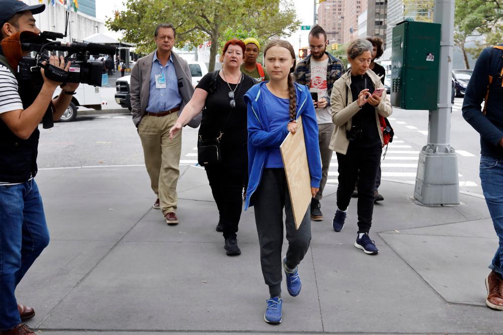 Η Γκρέτα Τούνμπεργκ έχει εμπνεύσει χιλιάδες νέους αλλά έχει διχάσει κιόλας τον κόσμο με την ασυμβίβαστη στάση της