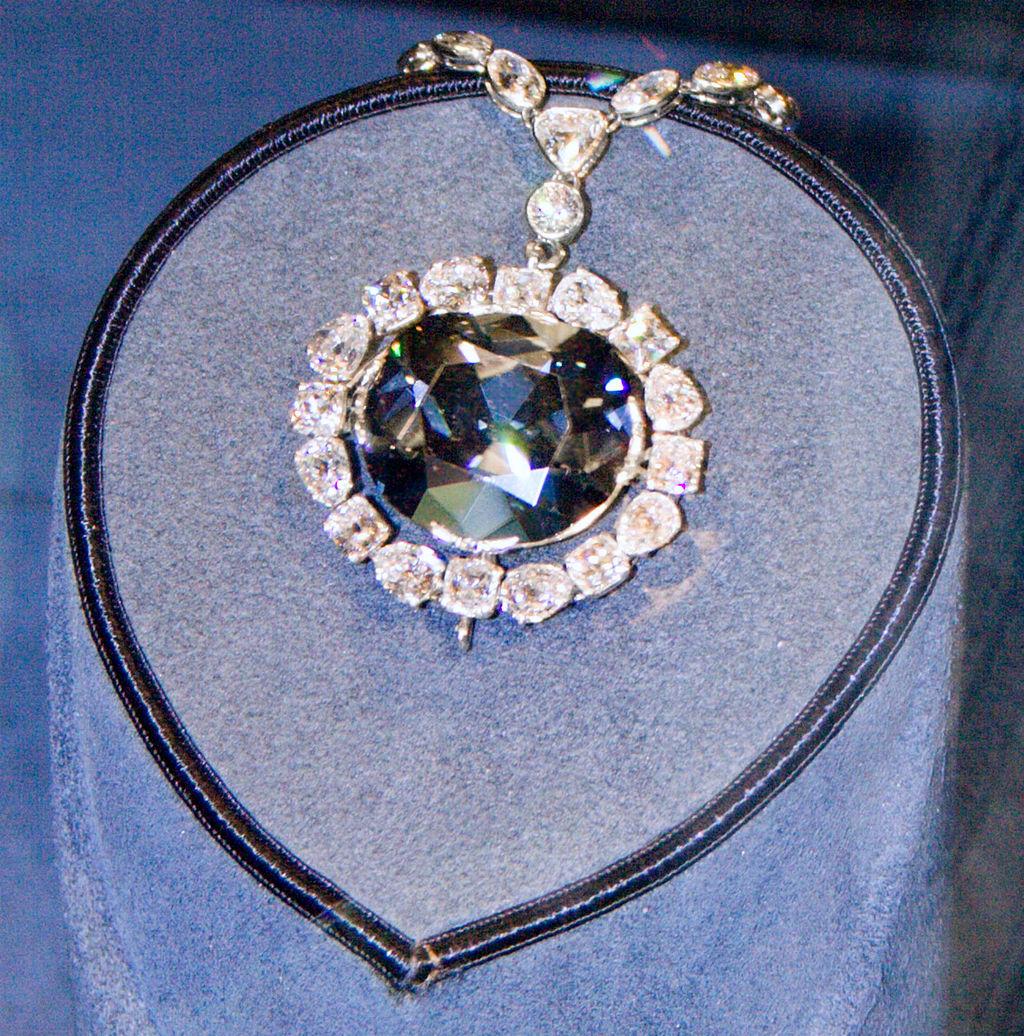 Το «καταραμένο» διαμάντι Hope.