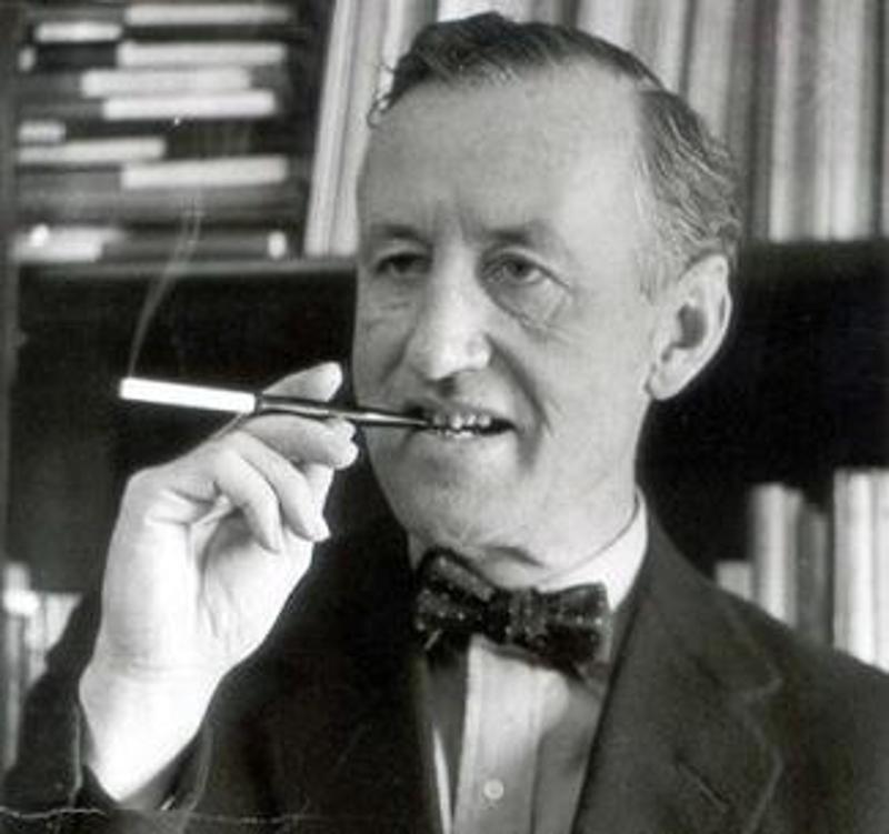 Η αρχική ιδέα της «Επιχείρησης Κιμάς» προήλθε από τον δημιουργό του «Τζέιμς Μποντ», Ίαν Φλέμινγκ.