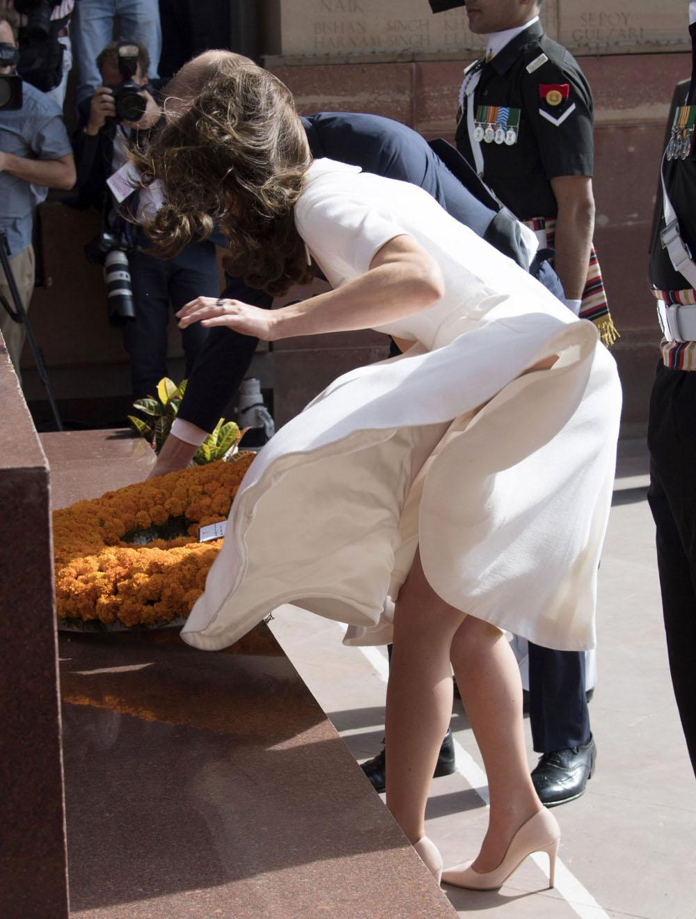 Η Κέιτ Μίντλετον με λευκό φόρεμα στην Ινδία