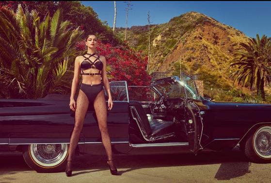Η Ιρίνα Σάικ με μαύρα δερμάτινα εσώρουχα για τις ανάγκες φωτογράφησης για το Vogue Espana